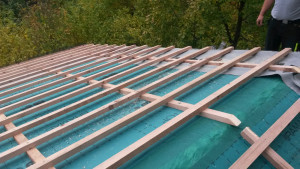 Rekonstrukce střechy,zateplení střešního pláště a pokládka plechové krytiny.Štědronín