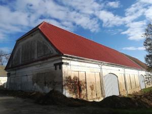 rekonstrukce střešního pláště  stodola Drhovle